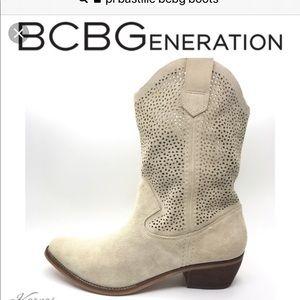 BCBG generation boots